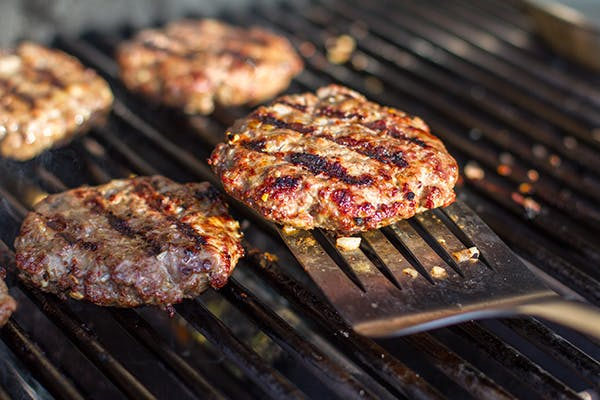 Hamburger-Patties-on-a-Grill