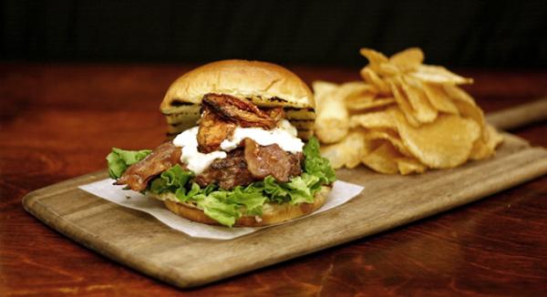 Farm Kettle Burger - 10 charcoal grill recipes – Weber Grills