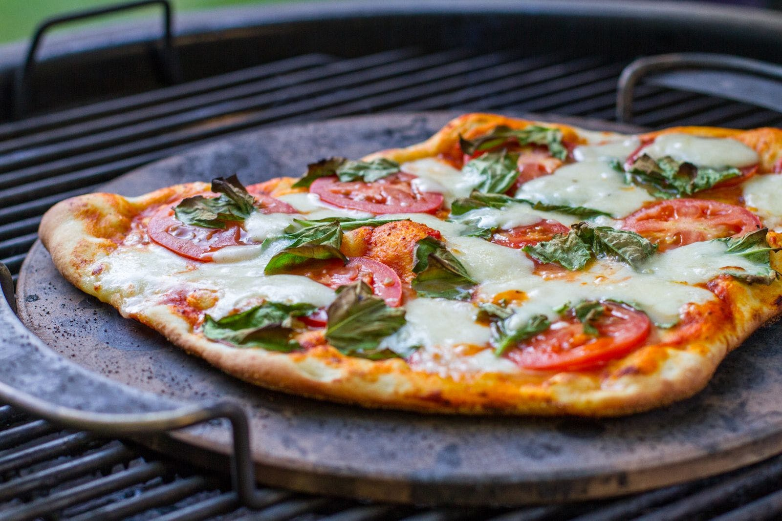Grilled Margherita Pizza - 10 charcoal grill recipes – Weber Grills