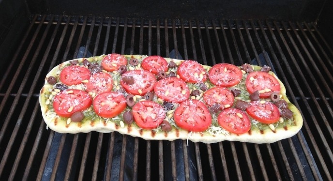 Mediterranean-Style-Grilled-Pizza