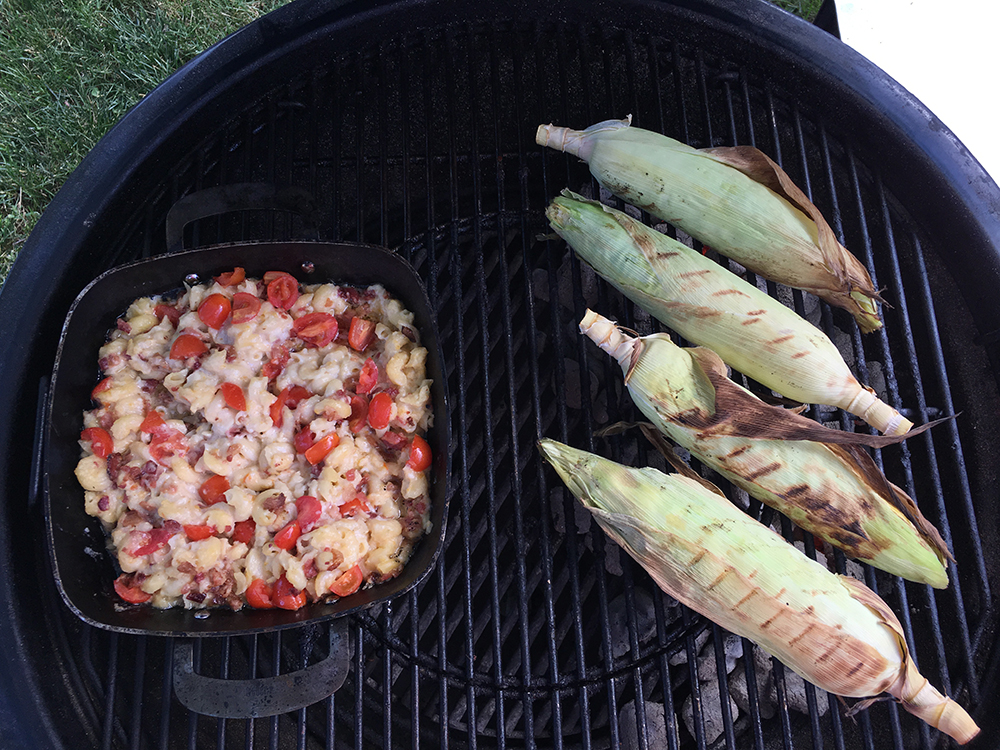Mac-and-Cheese-and-Corn-on-the-Cob-on-a-Charcoal-Grill